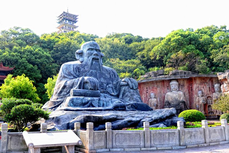 大覺灣老子塑像